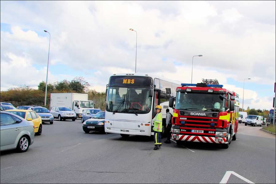 Jets coach comes to a sudden halt in the middle of a 3-lane motorway roundabout