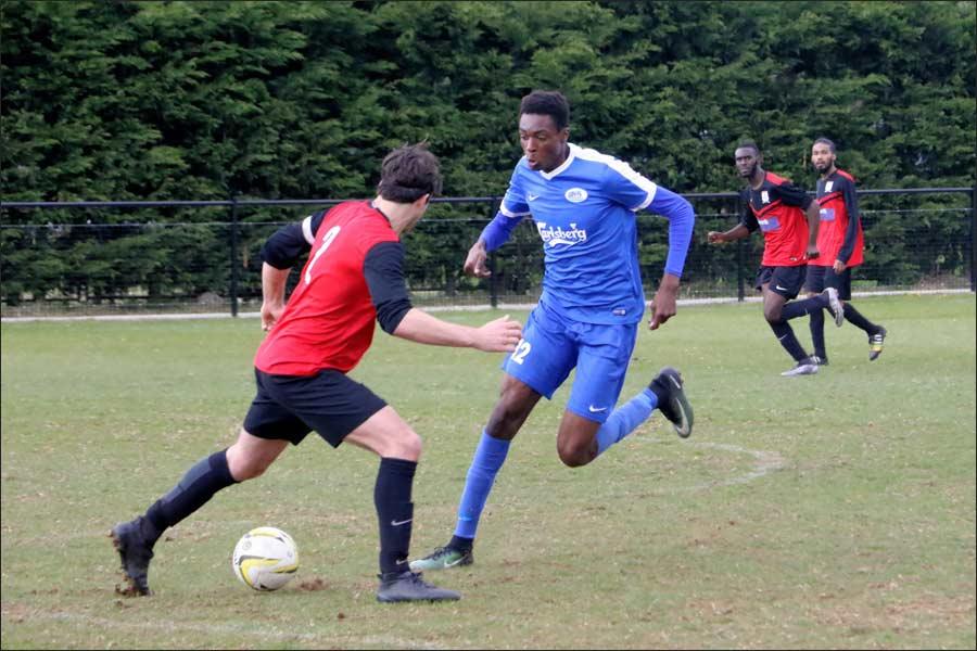 Eman threatens the Hadley defence again