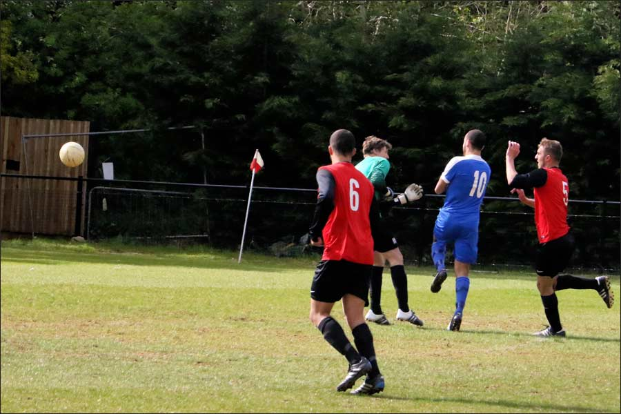 Chris Blunden beats the keeper to level it for Jets