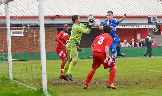 Luke Beardsworth goes close in the first half