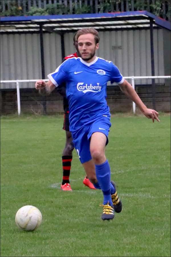 Tom Inch opened up the Bury defence