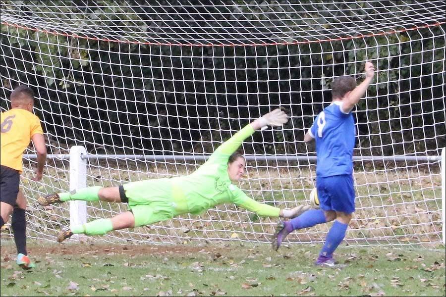 Luke Wells pounces to give Jets the lead