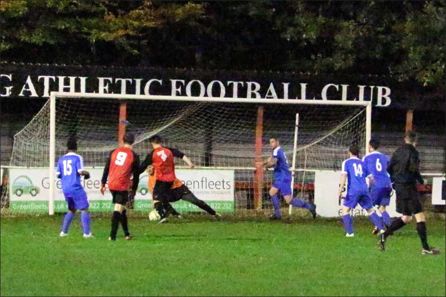 Tring poach the winner in the 95th minute