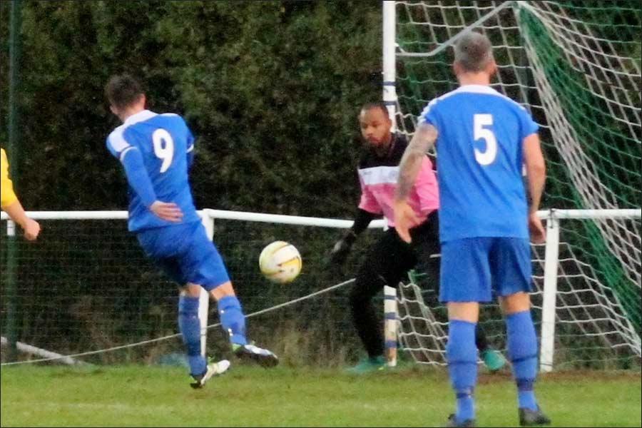 Broxbourne keeper denies Lowts