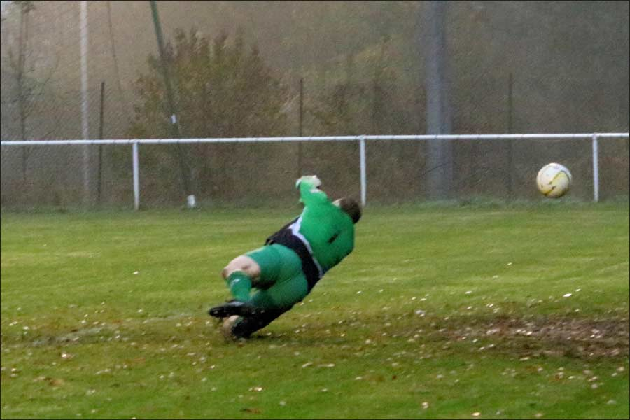 Sim's bullet shot gives the Leighton keeper no chance