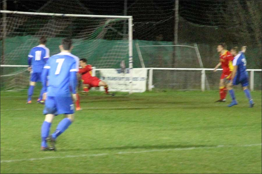 Scott Pugsley fires home to give Jets the lead