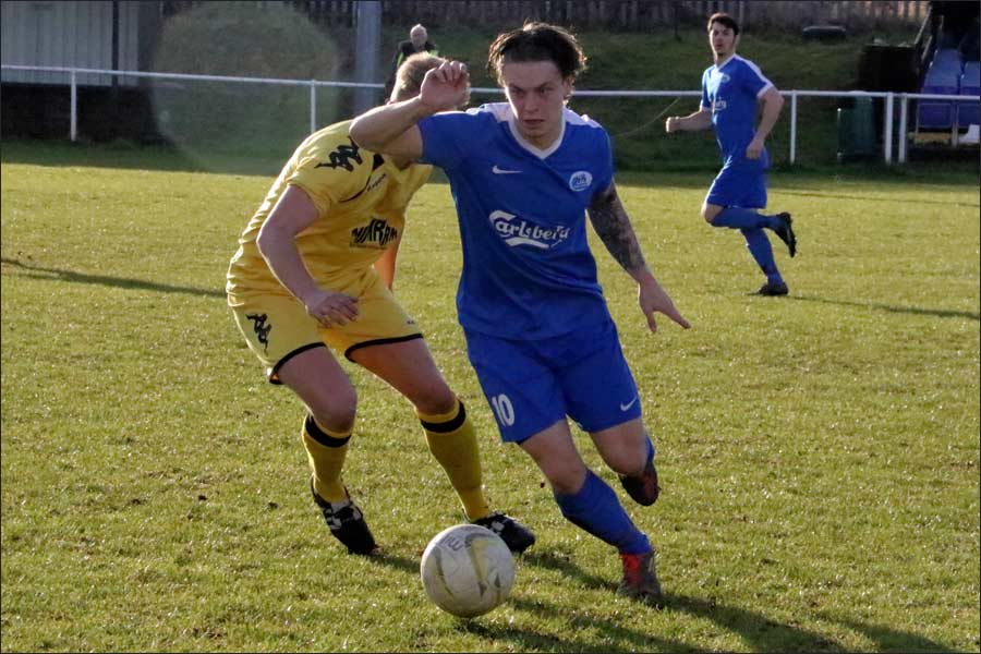 Luke Wells grafted hard against an excellent defence