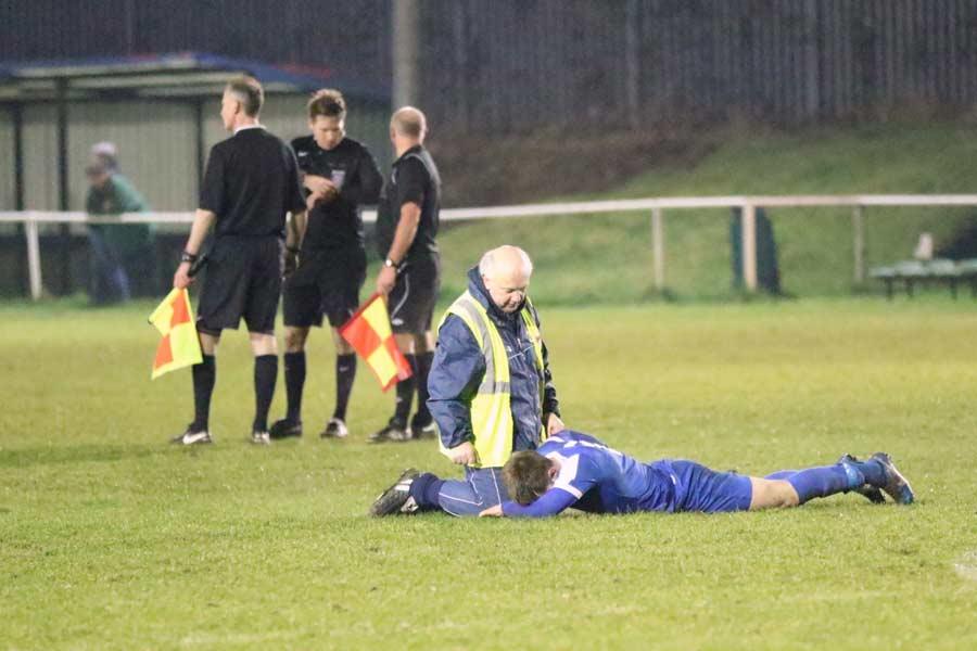 Beardo receives attention from Jets physio John Elliott