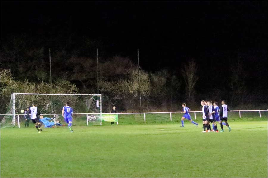 This Sim free-kick almost gave Jets the win